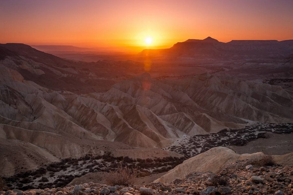 Sunrise-over-Negev desert r